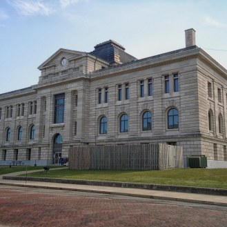 The Miami County Courthouse in Peru.