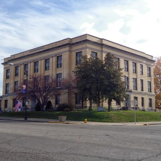 The Pike County Courthouse in Petersburg.