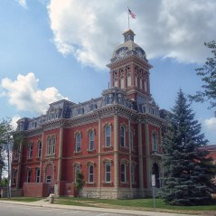 The courthouse was originally designed in the 'county capital' style.